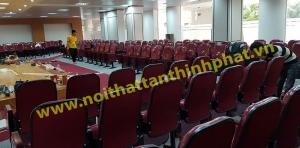 Hình ảnh thi công ghế hội trường và ốp laminate – CT01